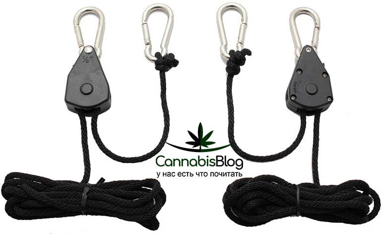 Верёвка с карабином для подвязывания растений
